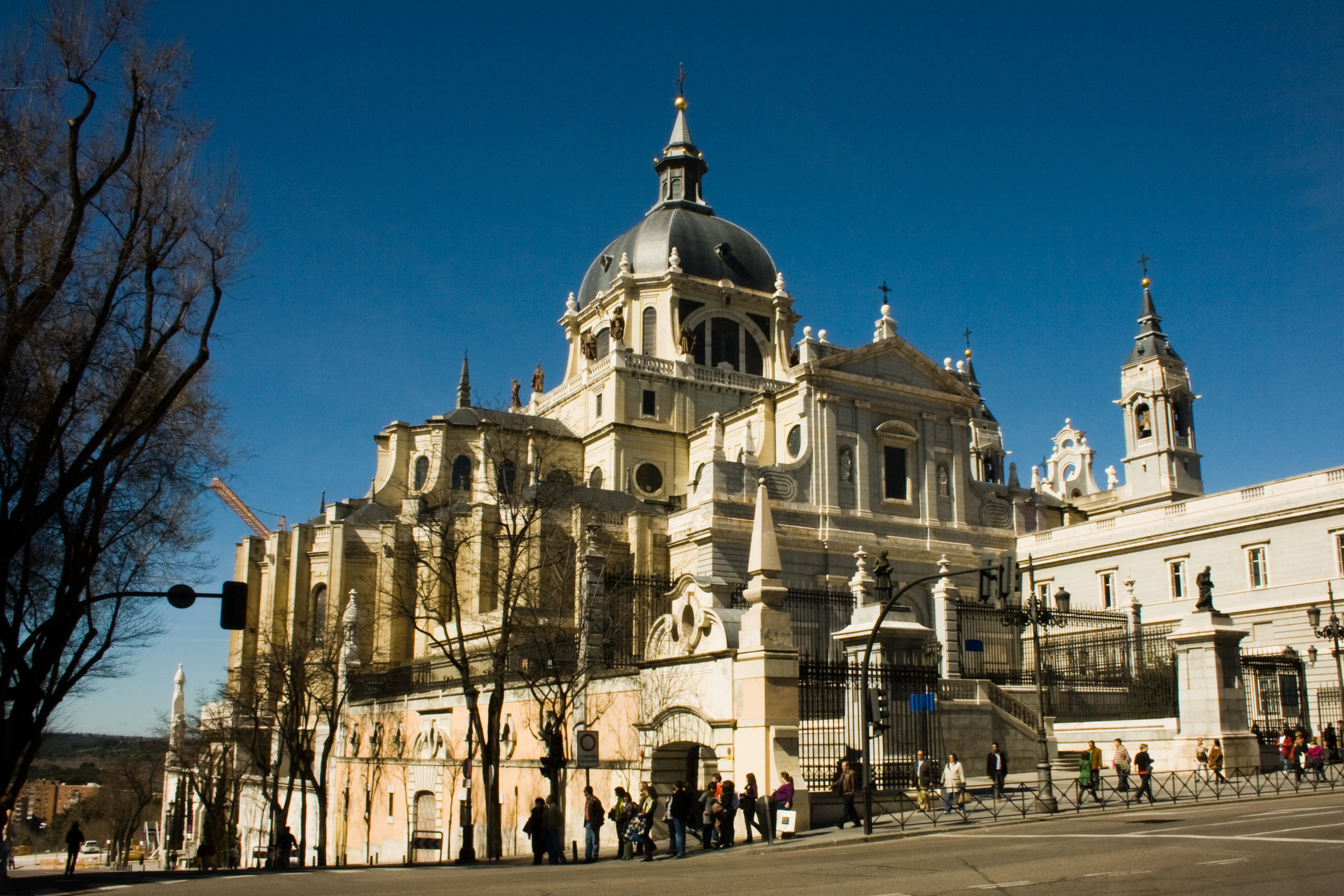 Catedral_de_la_Almudena_(Madrid)_15.jpg