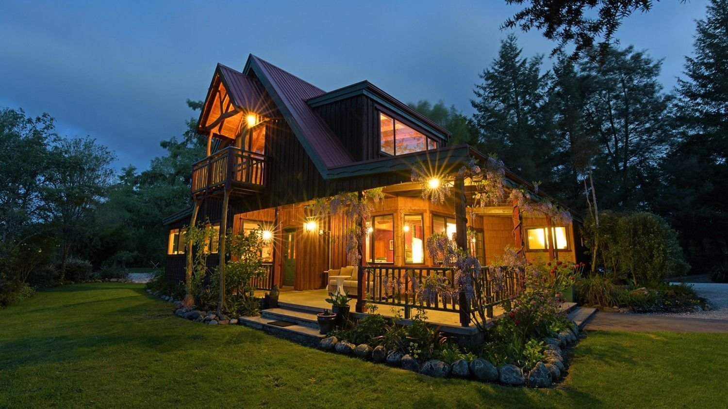 evening-outside-Murch Lodge.jpg