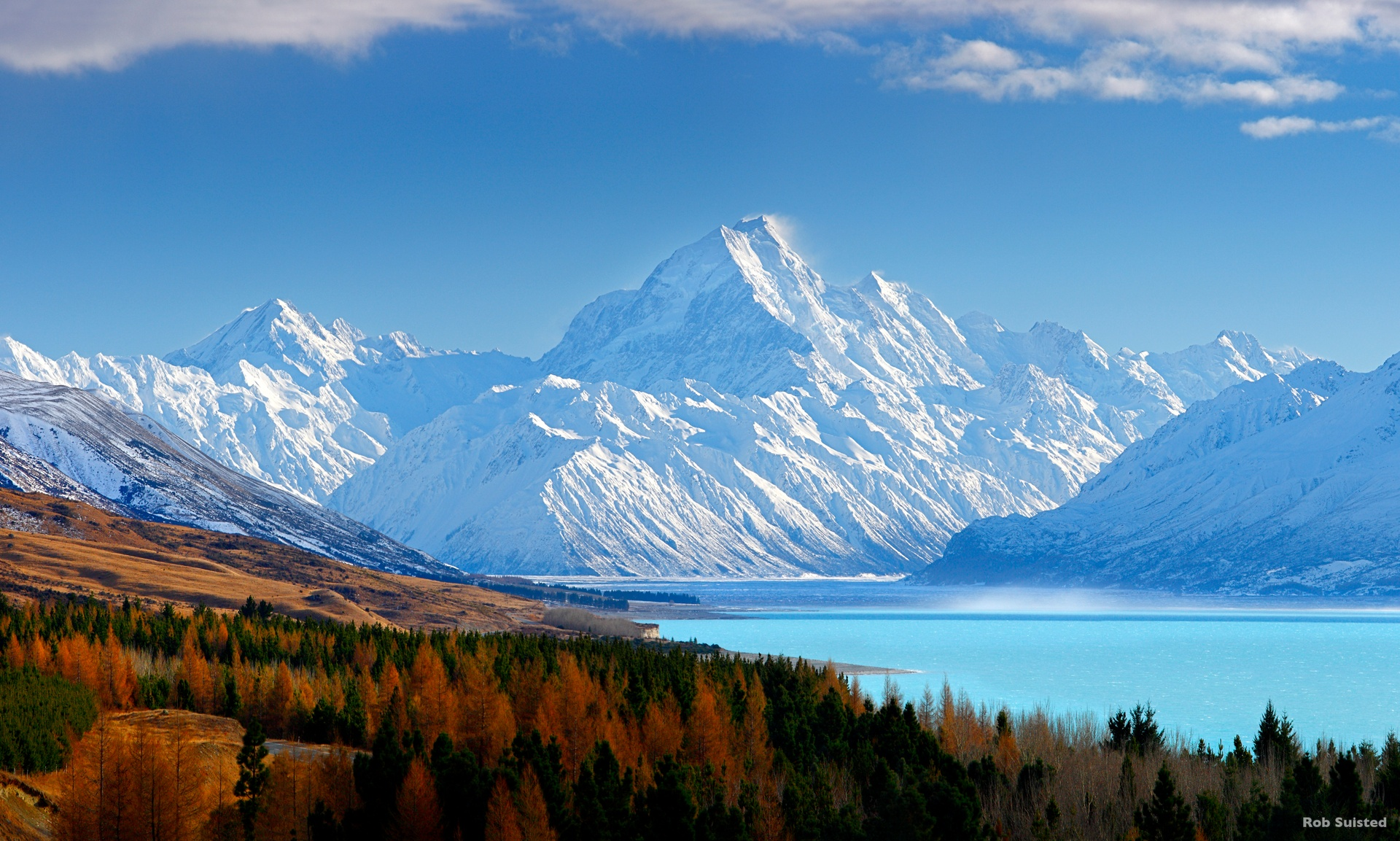 Mount Cook + Lake Pukaki - does it get more surreally beautiful than this?!?