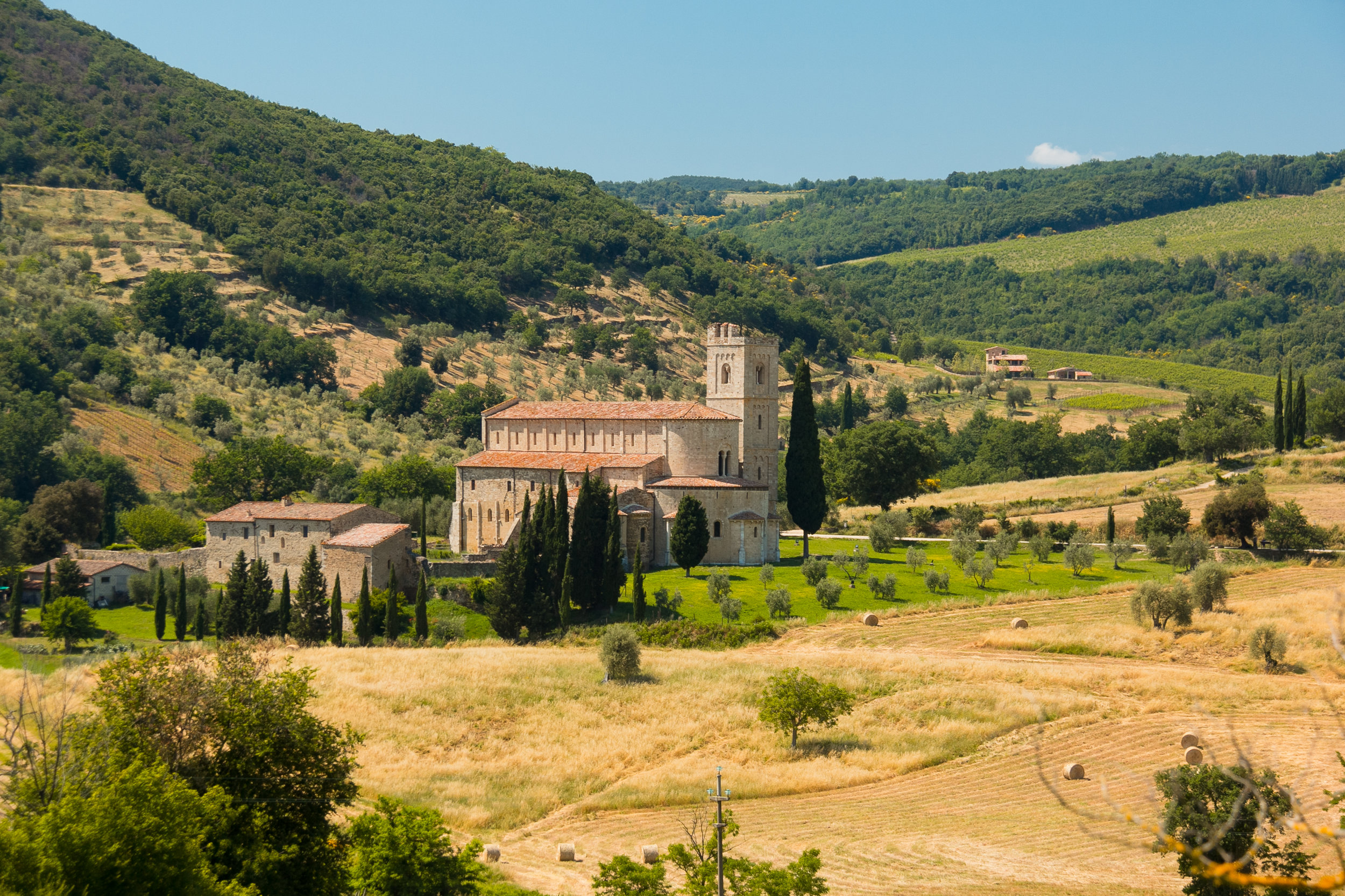 tuscan countryside & castle.jpg