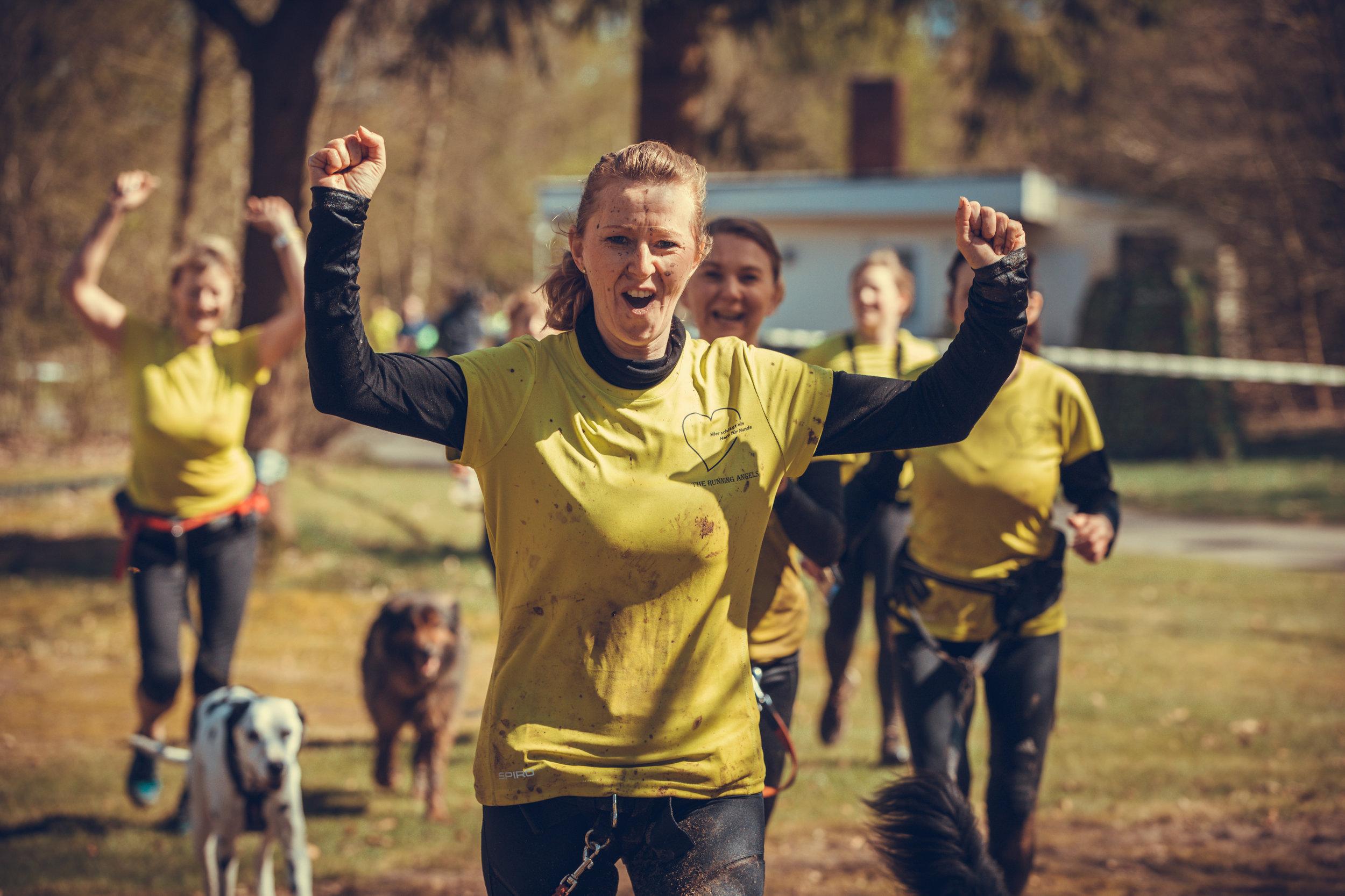Trails - Everybody Welcome.Camp Canis hat nicht nur Trails im Angebot. Camp Canis hat deinen Trail im Angebot. Wir sind da, damit du Hindernisse überwindest und nicht schon bei der Anmeldung an ihnen scheiterst. Wir bauen unsere Herausforderungen auf den Trail, nicht auf die Homepage. Jeder Trail hat seine ganz eigenen Anforderungen, Tücken und Schwierigkeiten. Bis wohin gehst du mit?