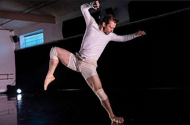 "Some more amazing shots of NOW Chicago by @aderanphoto ❤️ ""Soul Sounds"" at BANDChicago. #dance #contemporarydance #chicagodance #dancecompany #dancers #dancephotography #nowdanceproject #bandchicago @miranda__please @krispop03 @quincieb @b__64 @jackatac"