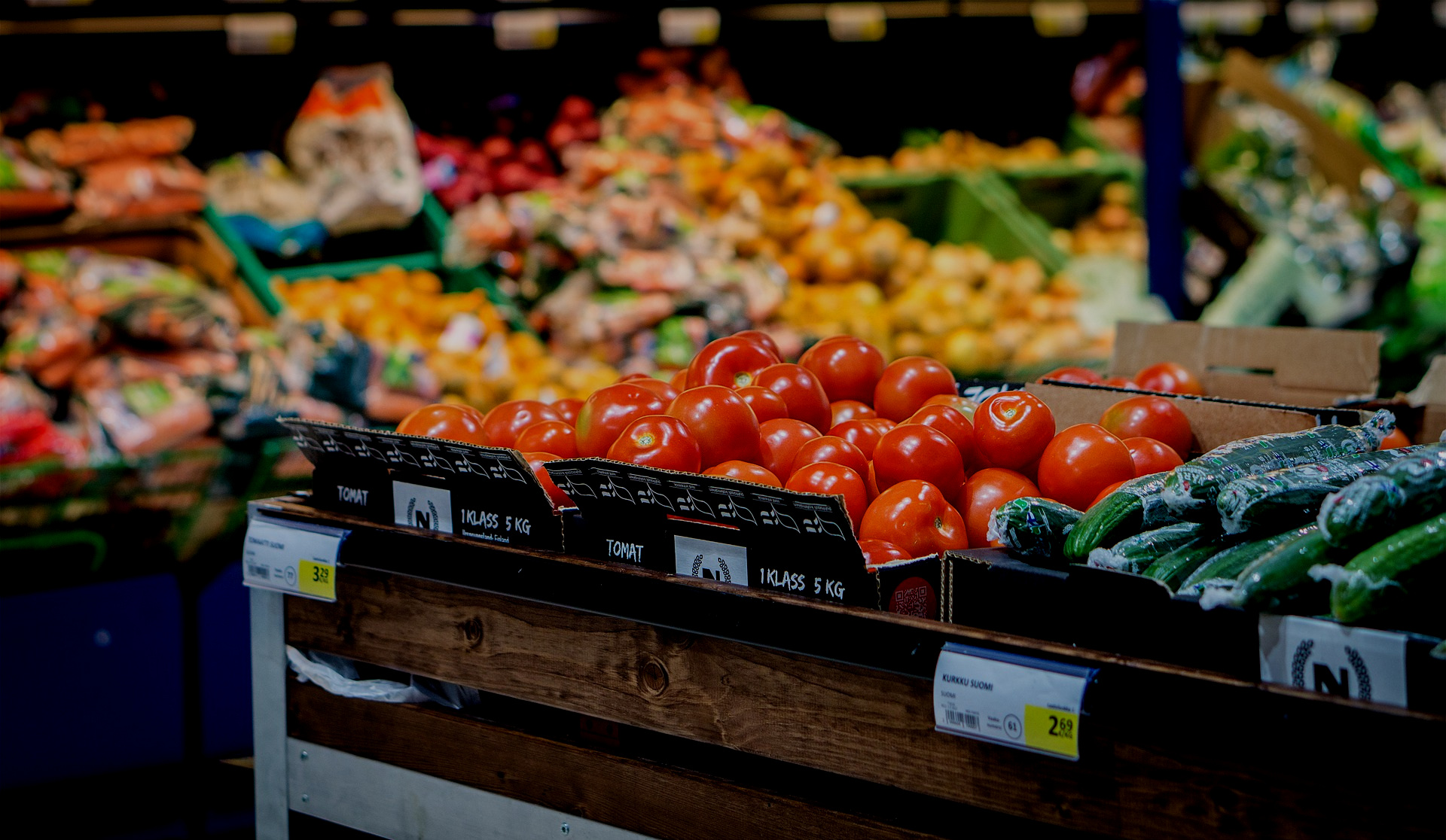 OUTLET - Retailers that buy direct from producers. The spreadsheet is organized into the follow categories: farmers market, farm stand, CSA, grocery store, and miscellaneous.