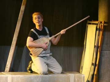 Donizetti, L'elisir d'amore  (Nemorino). Trier, Germany - 2005-06