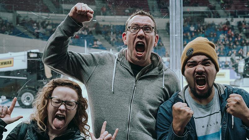 shift_yes_team_hockey_game.jpg