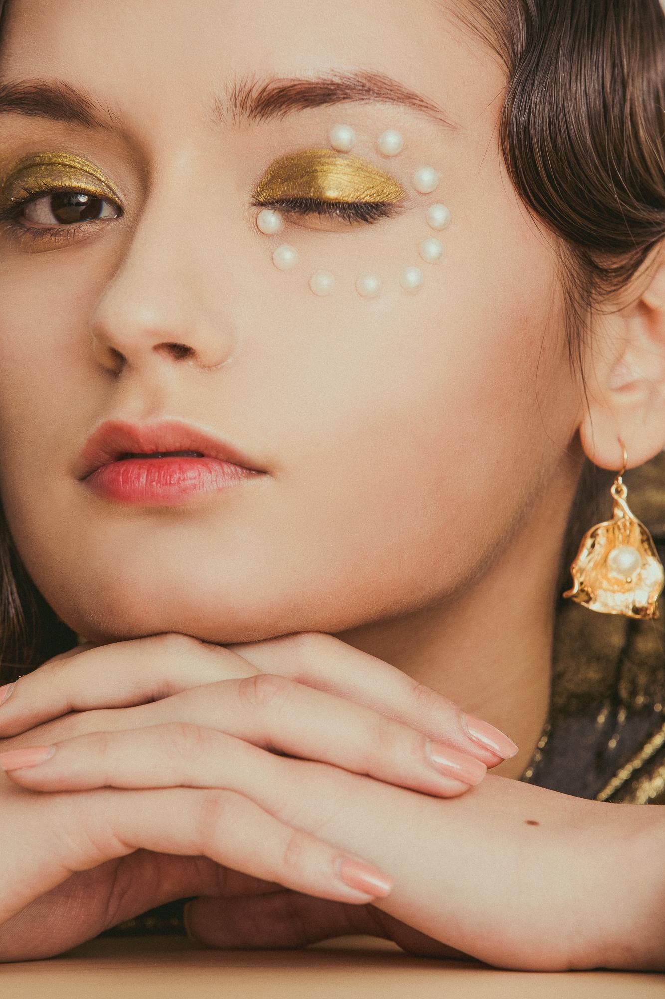 Duo-Linn-Lofficiel-Beauty-Editorial-02.jpg