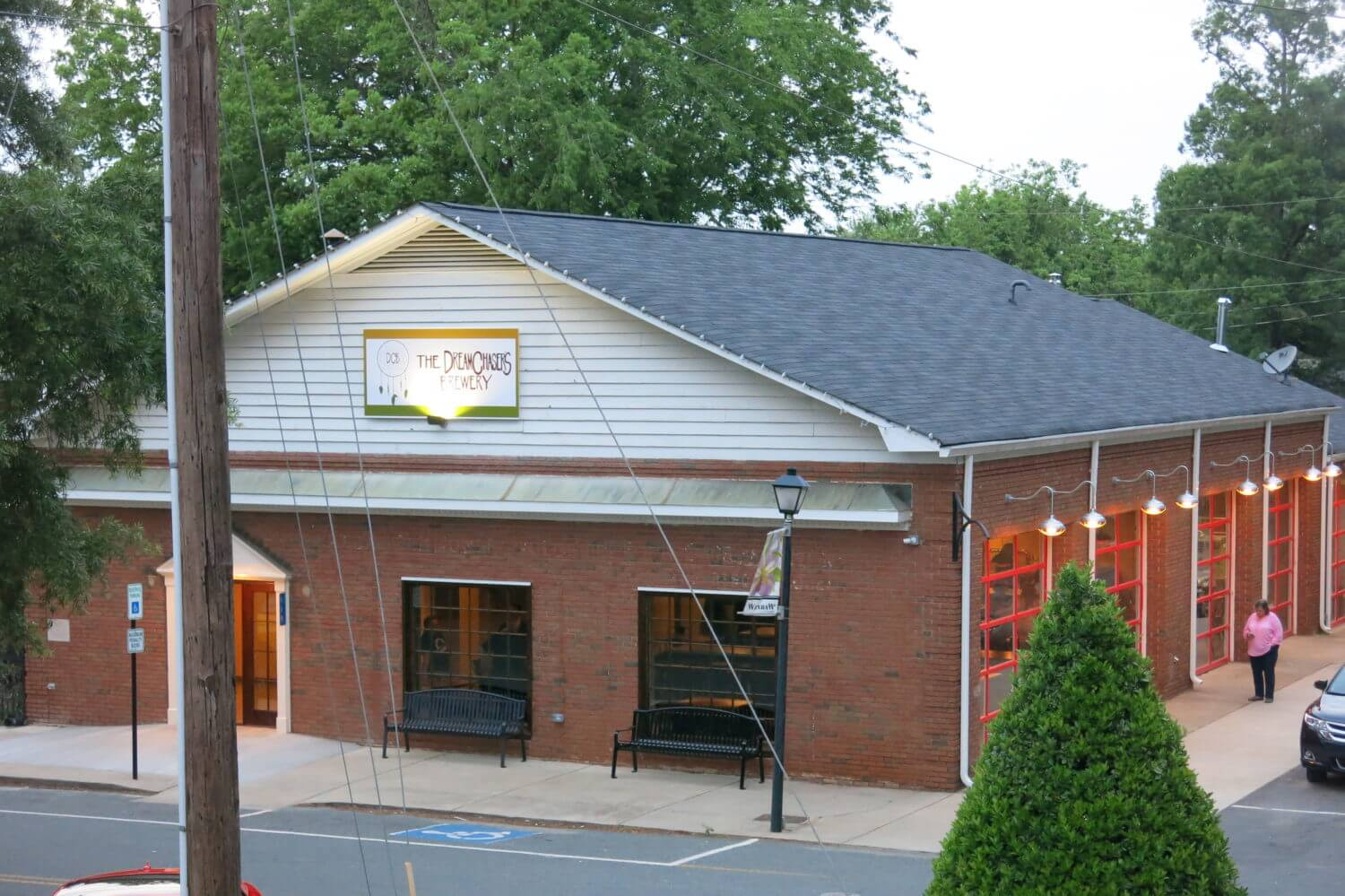 The-Dreamchasers-Brewery-in-Waxhaw-1-e1463143988907.jpg