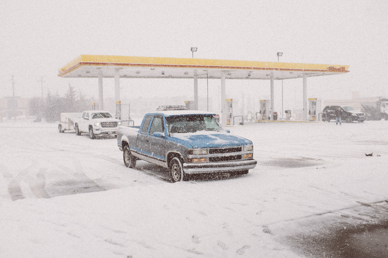 Car in Snow-1.jpg