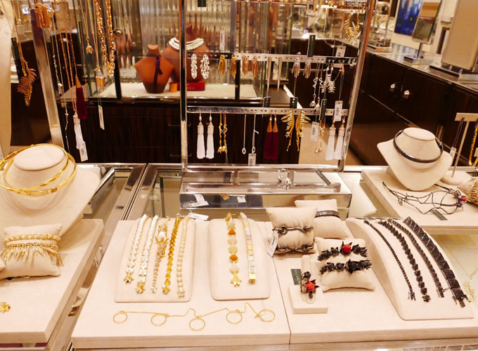 designer Eddie Borgo jewelry display