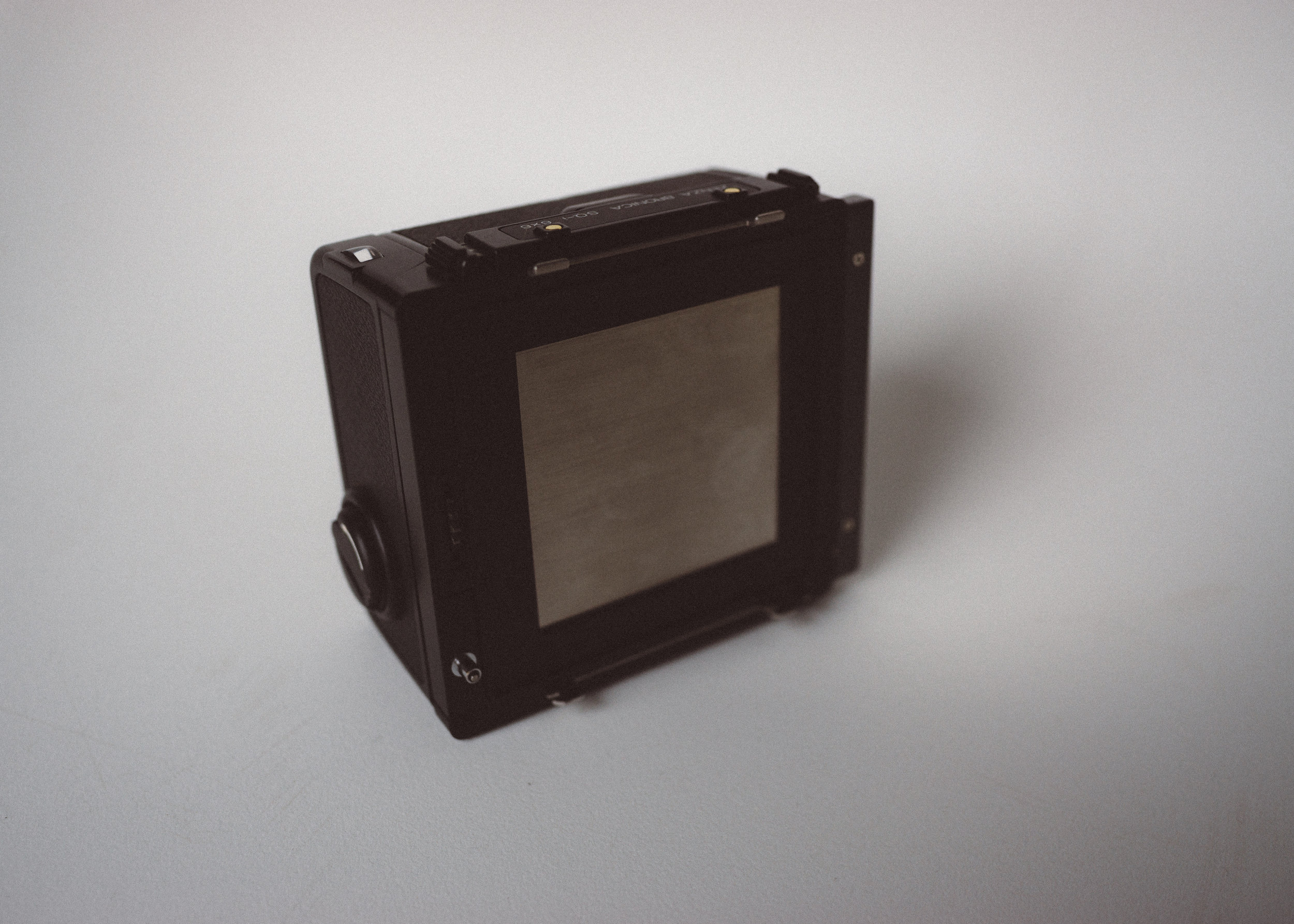 120 film back for the Bronica SQ.