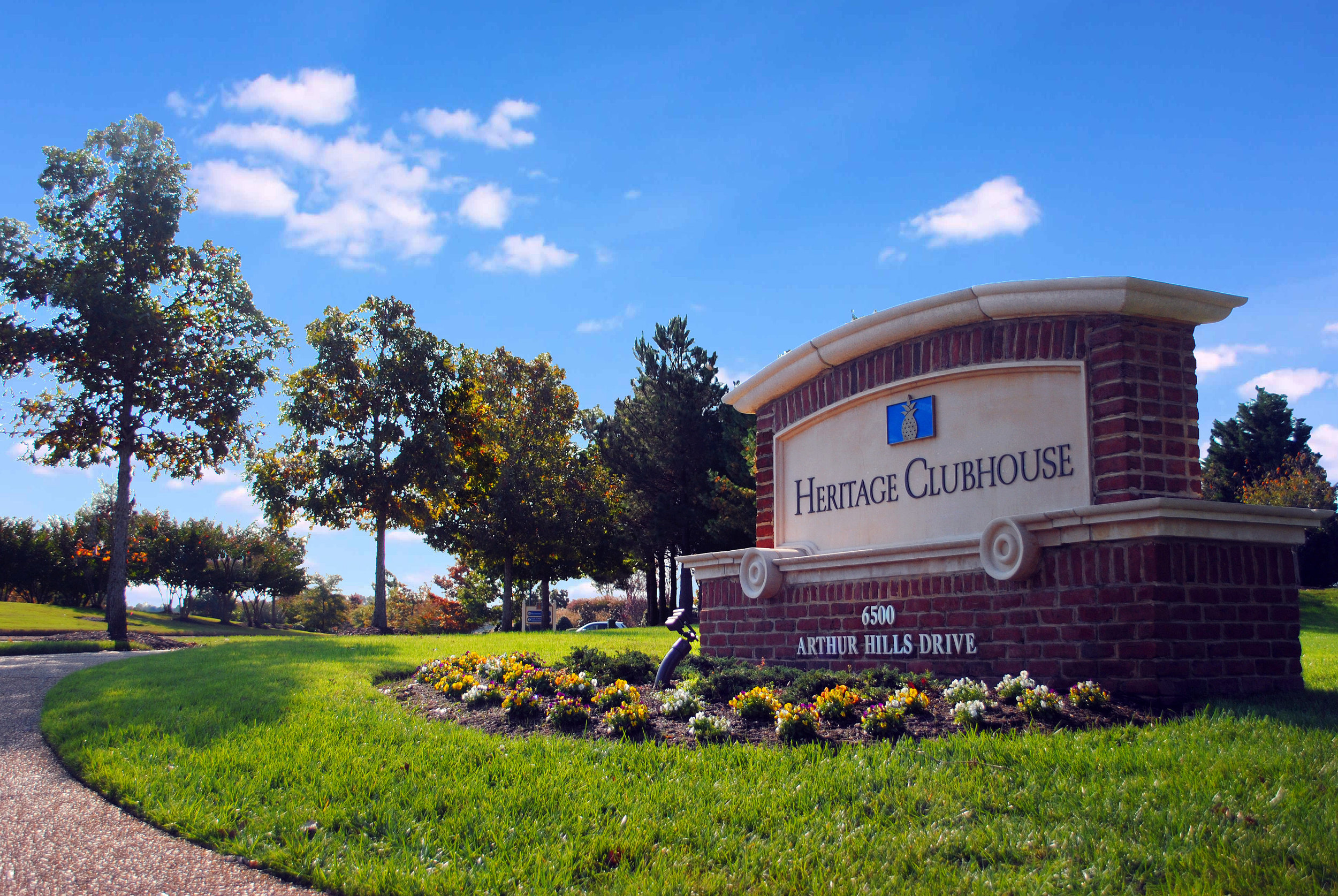 CLUBHOUSESIGN.jpg
