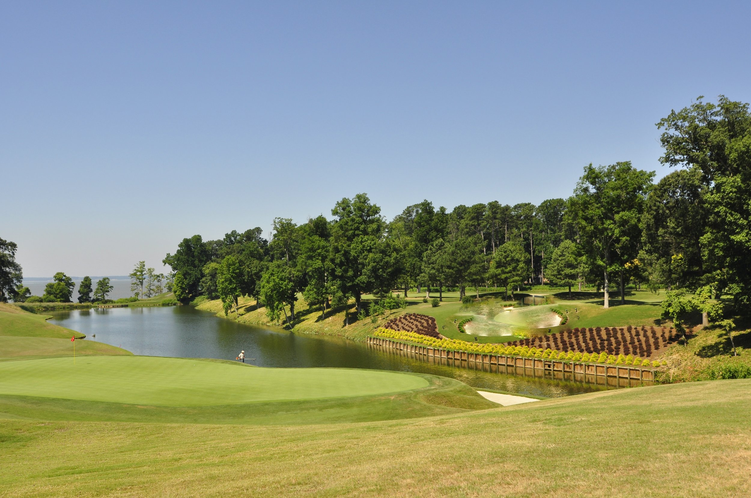 KM logo on golf course - Copy (2).jpg