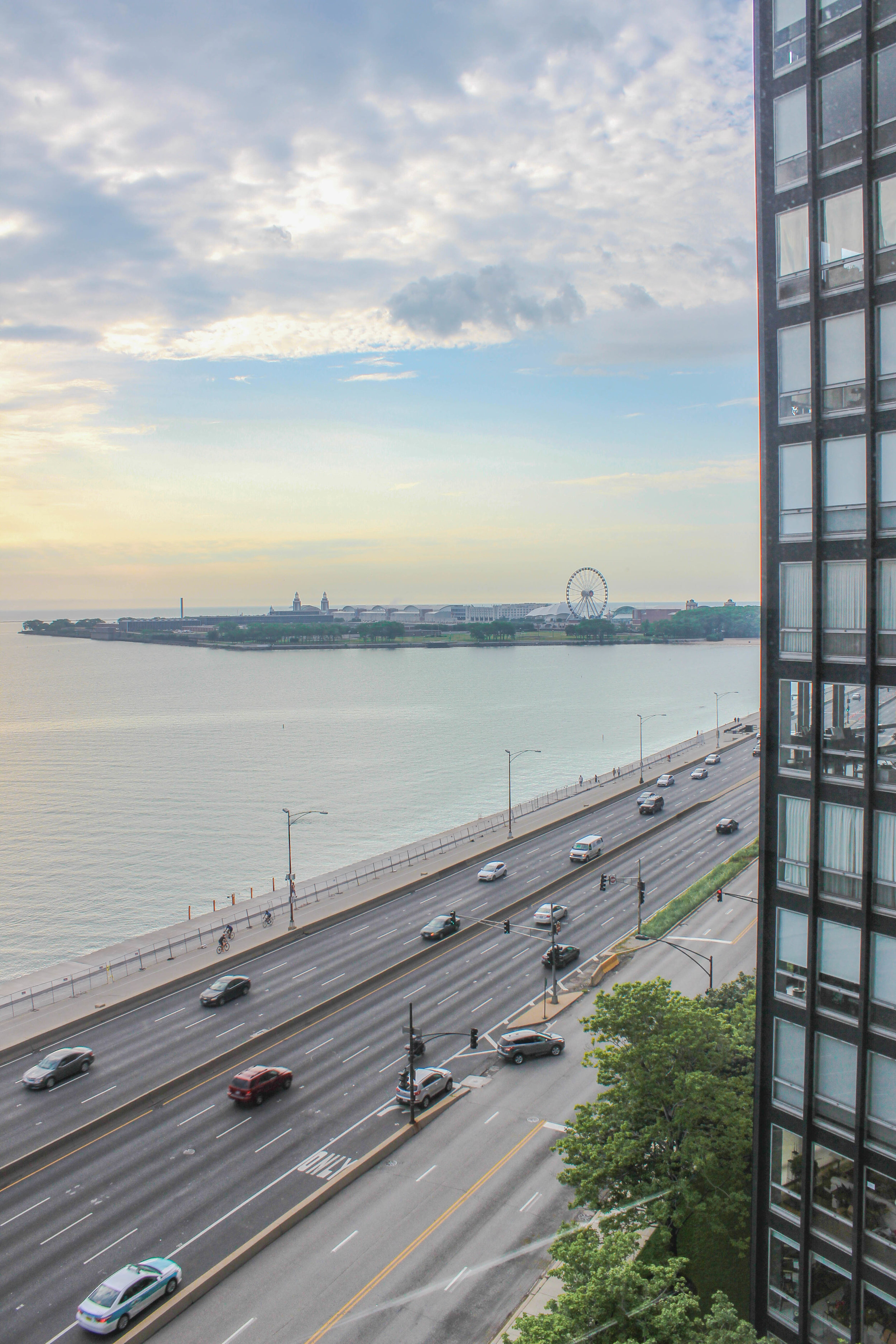 Lake Shore Drive Chicago.jpg