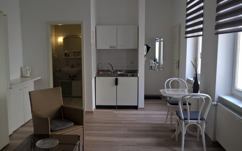 Hotel Halle Appartementhaus Zimmer 7.jpg