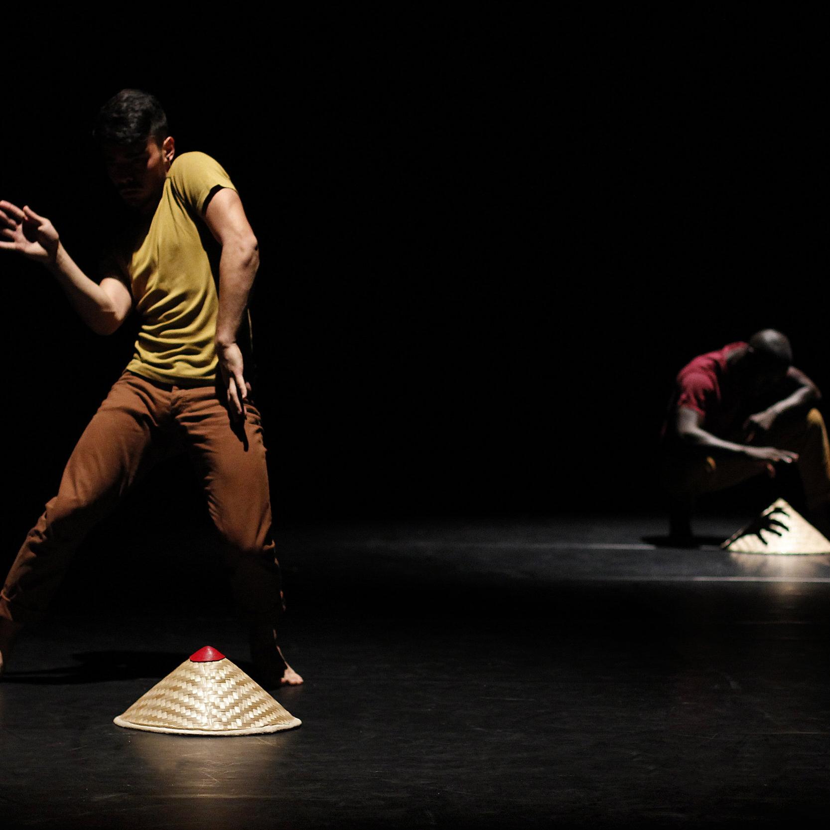 SAME SAME - Création 2O14 pour 2 danseurs