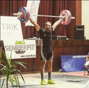 Coach João Melo:  Treinador principal e atleta.  CrossFit Weightlifting Course . Vice-Campeão Nacional 2016 e Campeão Nacional 2017 (94kg).   Recordista Nacional:  Arranco 121 Arremesso 155 Total 276