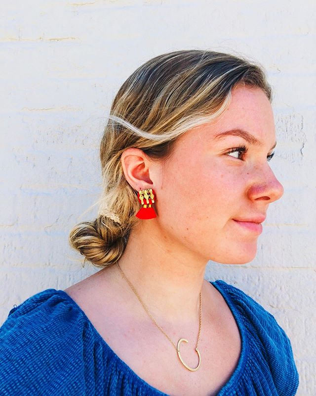 Hello ladies...our very own ( and soooo happy to have her... ❤️...) @clare_mohan  is modeling one of several new pairs of summer ready earrings from #shiraleah #shiraleahchicago!  hand selected at the NY  Accessory Show just last week.. we have a style for everyone, trending in silk tassels, faux gems and the latest craze... raffia!  finish your weekend look with a pair! p l e a s e  n o t e.... We will be closed tomorrow,  S u n d a y 6/16, so everyone can celebrate father's day! . . . #morristownnj #shoplocal #boutiqueshopping #brickandmortar #summer2019