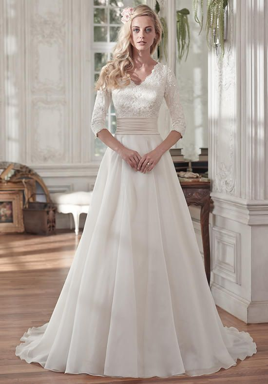 3b8f3f04643b36375032dc938e34be60--belted-wedding-dress-over-the-top-wedding-dress.jpg