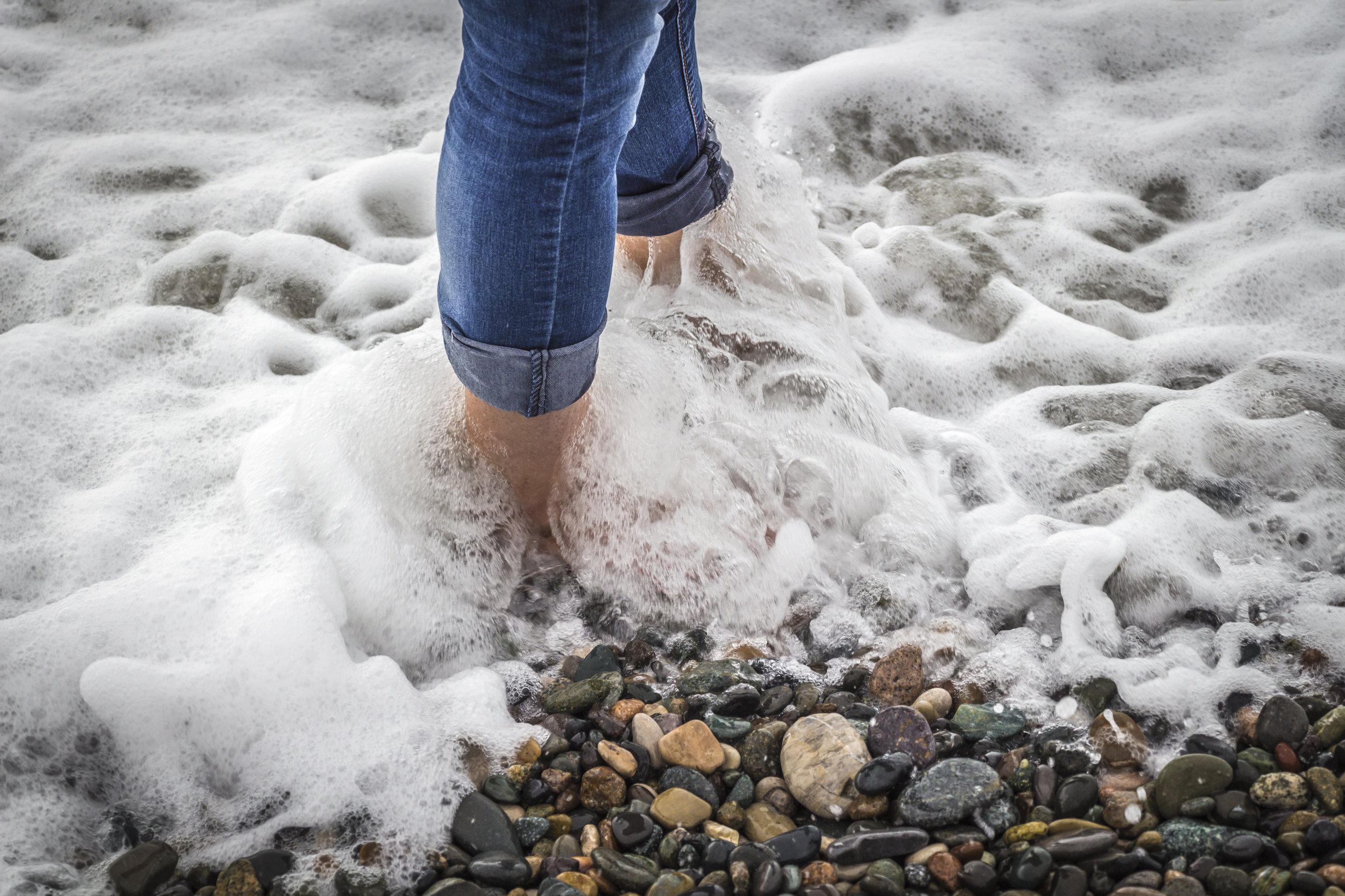 Feet-in-the-water-858481404_5184x3456.jpeg