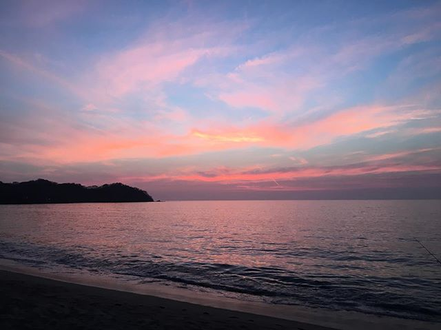 """When someone says """"Las Sirenas for Sunset?"""" you say YES. Meeting friends to mark the end of another day. One of my favorite things about #mexilivin in #sayulita. #slowdown #takeitin #dontforgettobreathe #casanicoya // DM for booking inquiries ✨"""