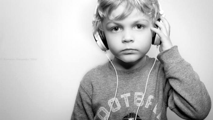 VincentHeadphones.jpg