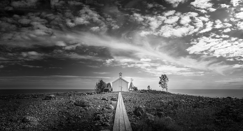 The fisherman´s chapel at Pite-Rönnskär. The image was captured in June 2018 at midday.