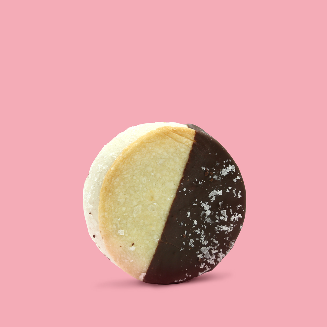 BANANA CREAM SANDO   Banana ice cream • Shortbread cookie • Dulce de leche filling • Dark chocolate dip