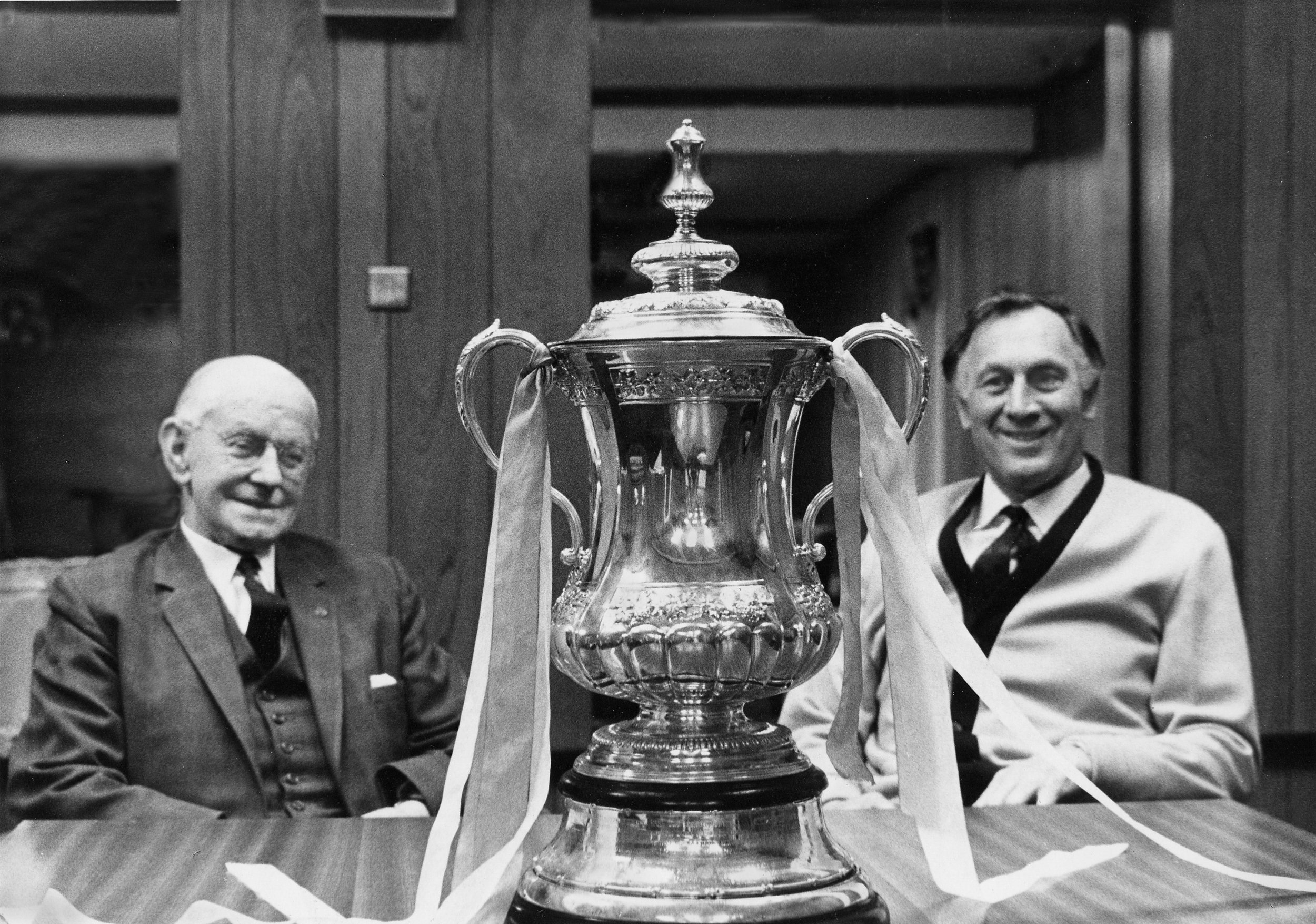 Man City FA Cup, A.V. Alexander & manager Joe Mercer (1969)