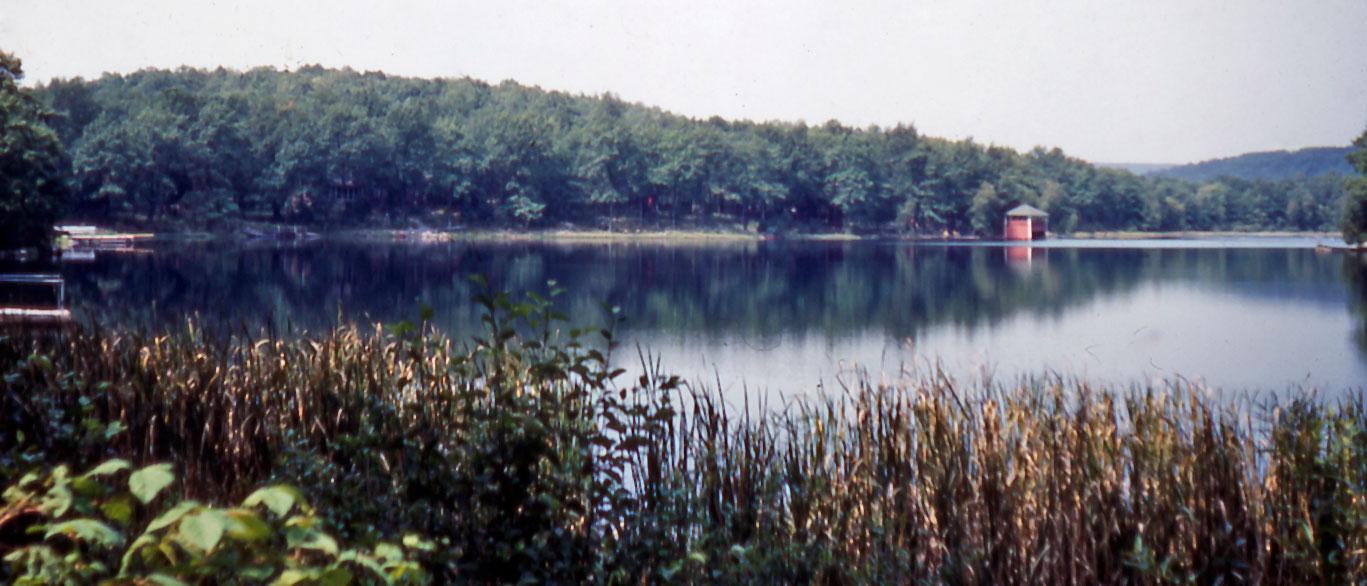 lake.panorama.jpg