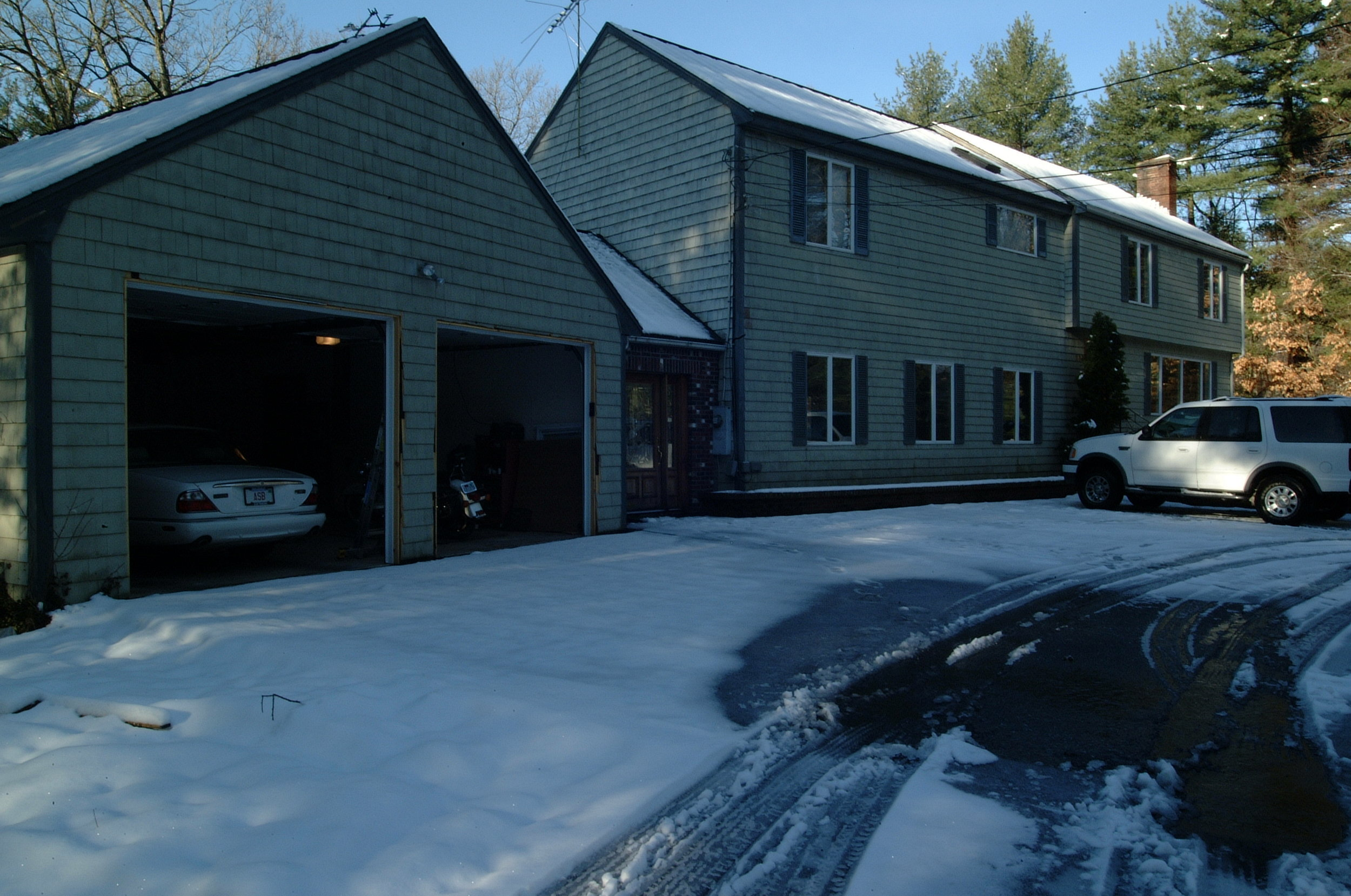 There is the old house in winter. The hell with that! Gimme Florida now!