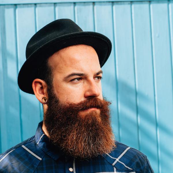 Orbitz-Portland-Bearded-man-in-hat-600px.jpg