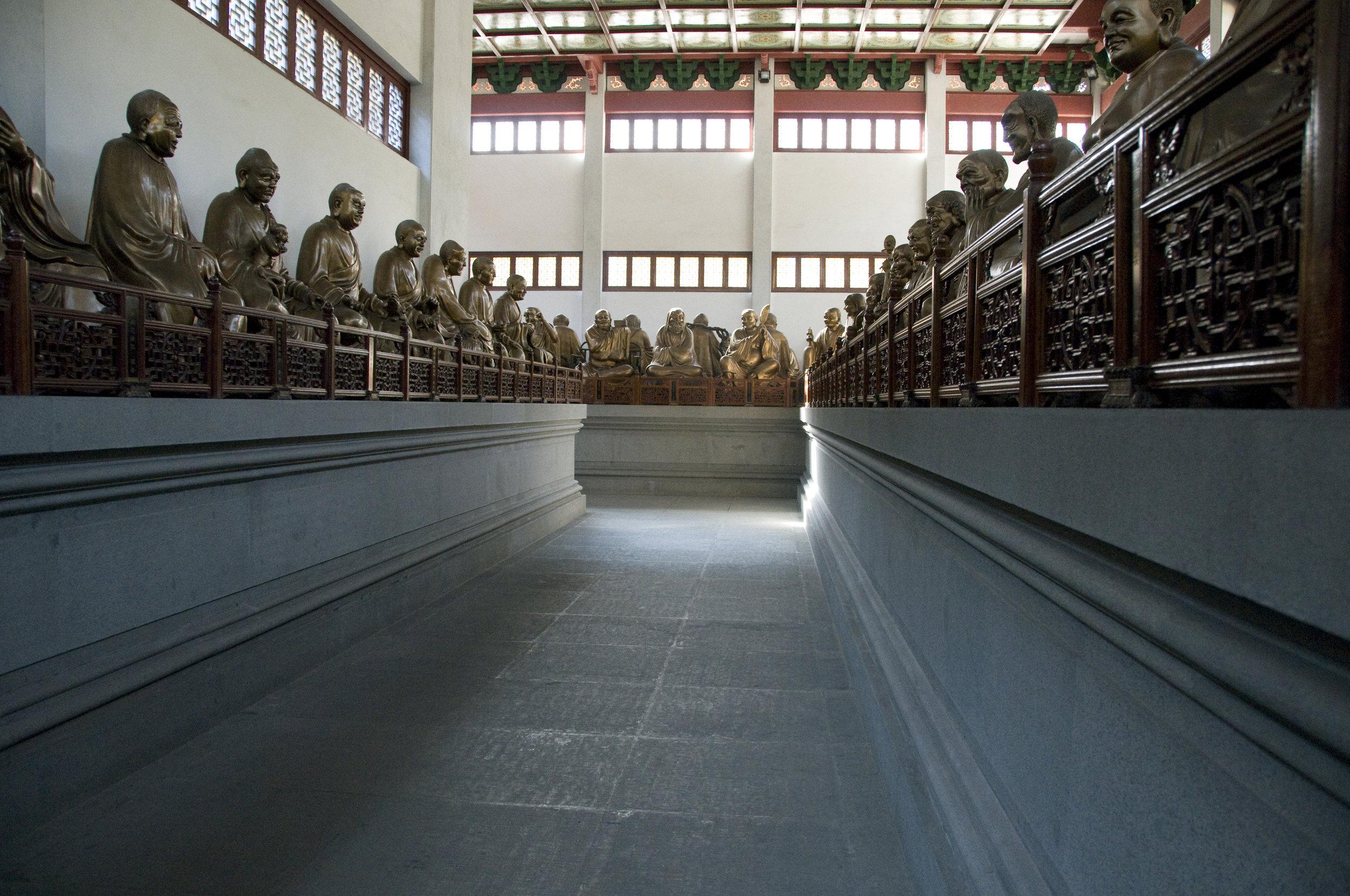 500 Buddahs Temple