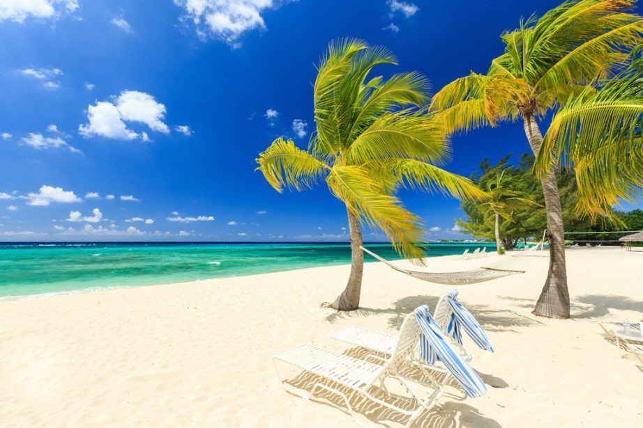 cayman-islands-travel-922x615.jpg