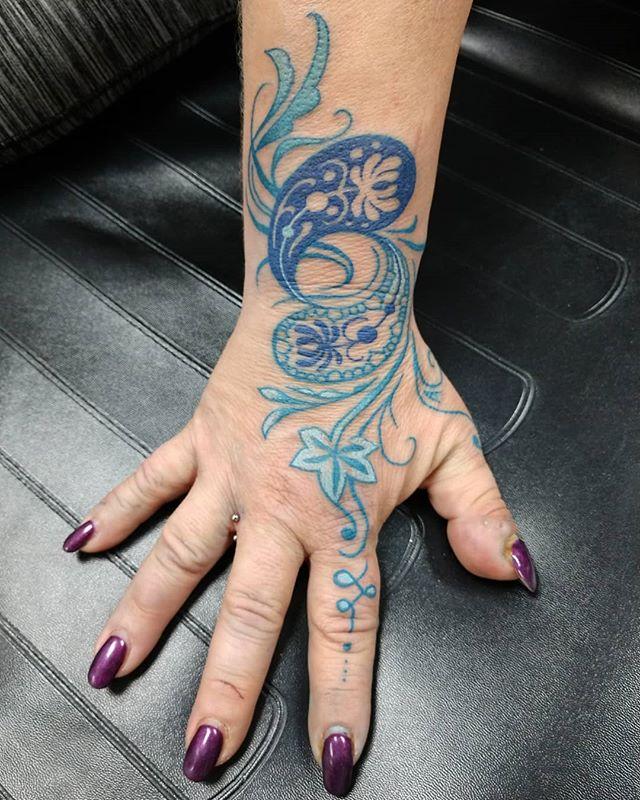 Cool hand tattoo #dmactattoos