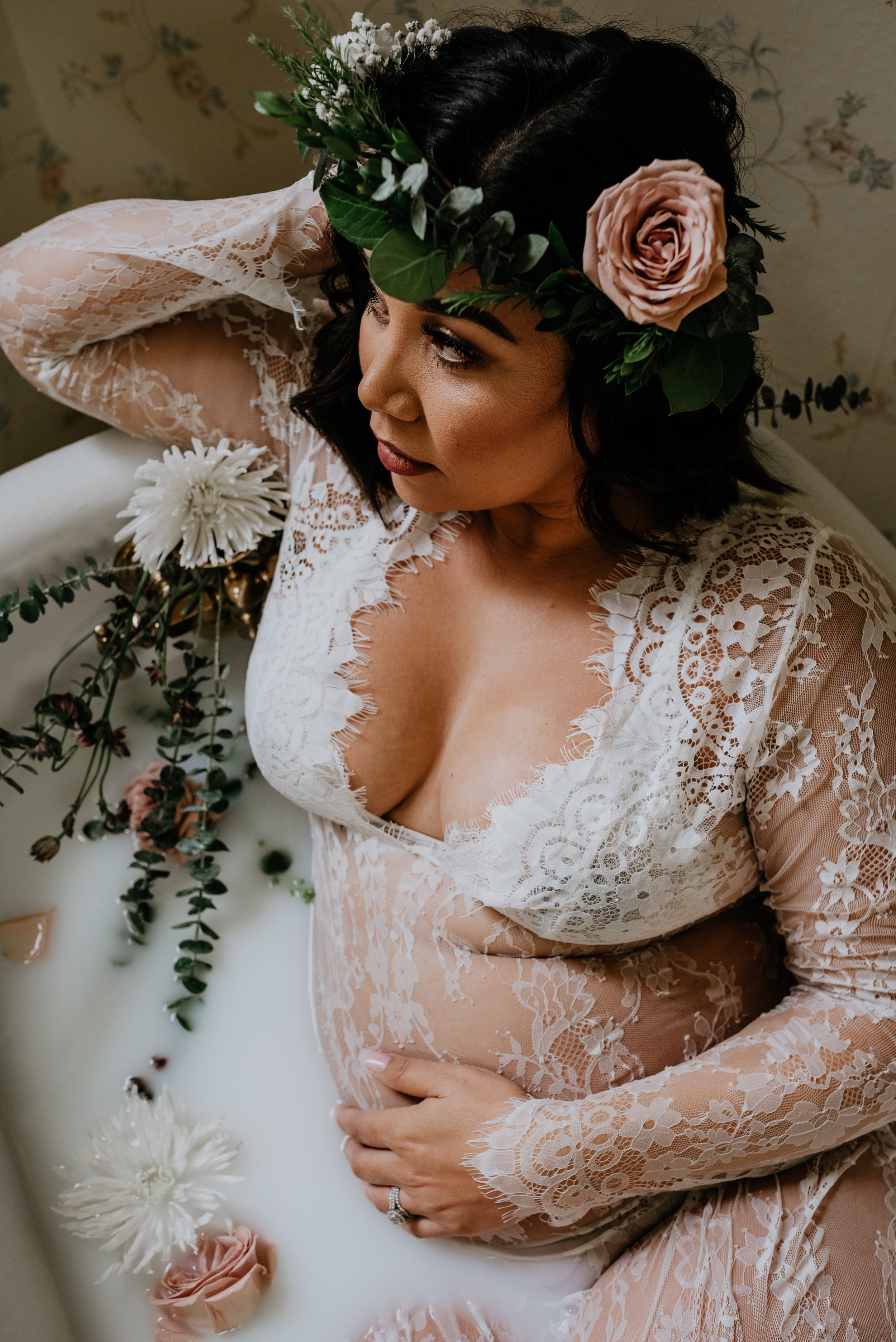 Milk-Bath-Maternity-Photoshoot