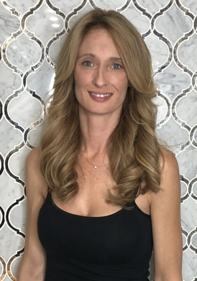 Michele  Salon Manager with 10+ years in the beauty industry.