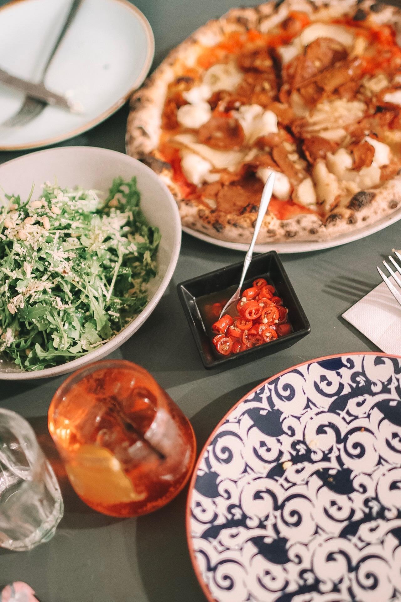 felixandscott.com finds the best vegan italian