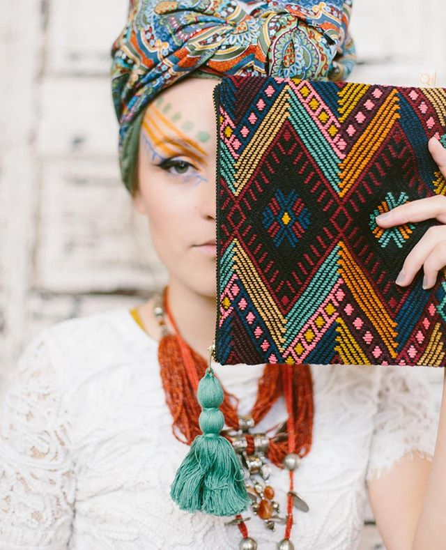 """""""One of the greatest regrets in life is being what others would want you to be, rather than being yourself."""" -  Shannon L. Alder. // Featured: Chichi Medium Pouch 📸 by @meghanmedlenphoto 🌟 #TakeHeartTakeFlight #fairtrade #fairtradefashion #ethical #ethicallymade #madebyhand #artisanmade #madeinguatemala #Guatemala #travel #TravelPatterns  #handmade #fashionforgood #purchasewithpurpose"""