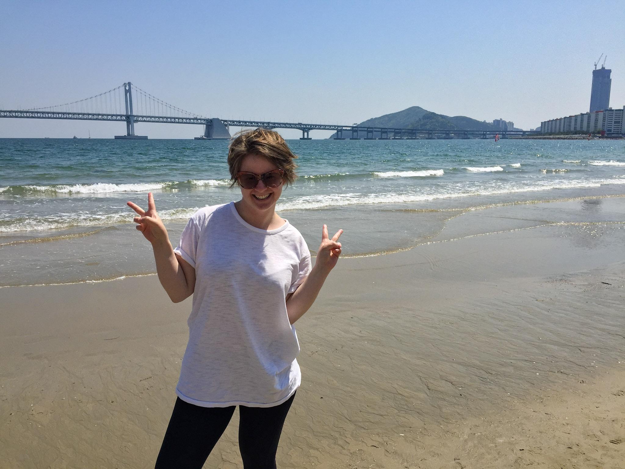 gwangalli_beach_girl