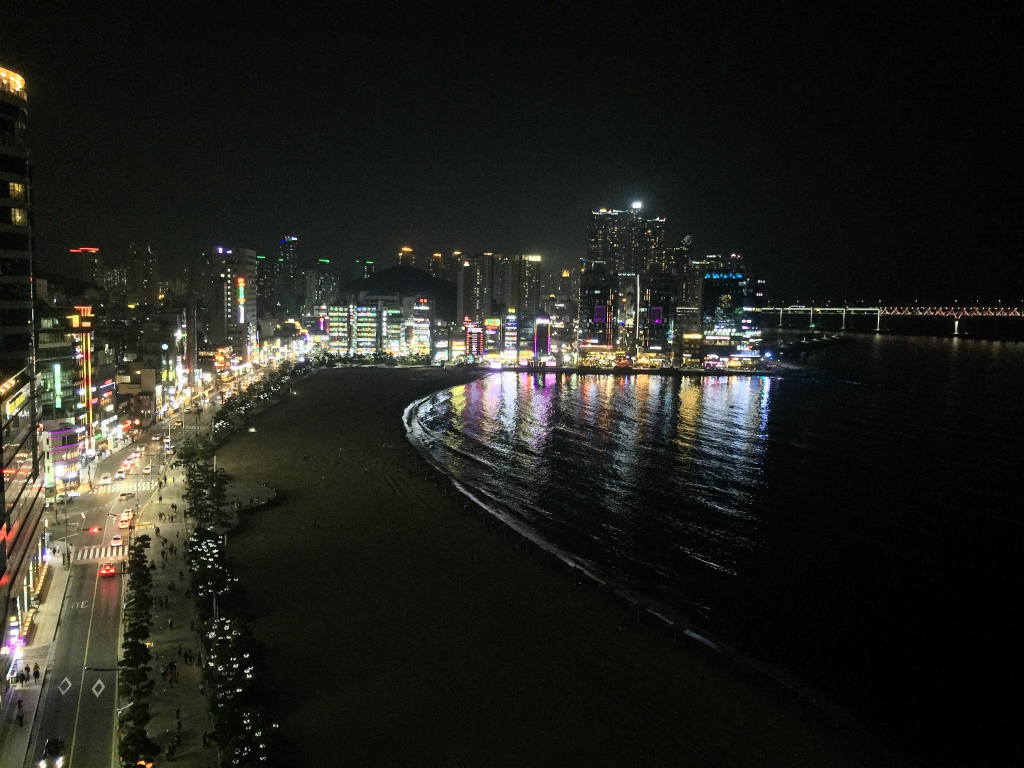 gwangalli_beach_by_night