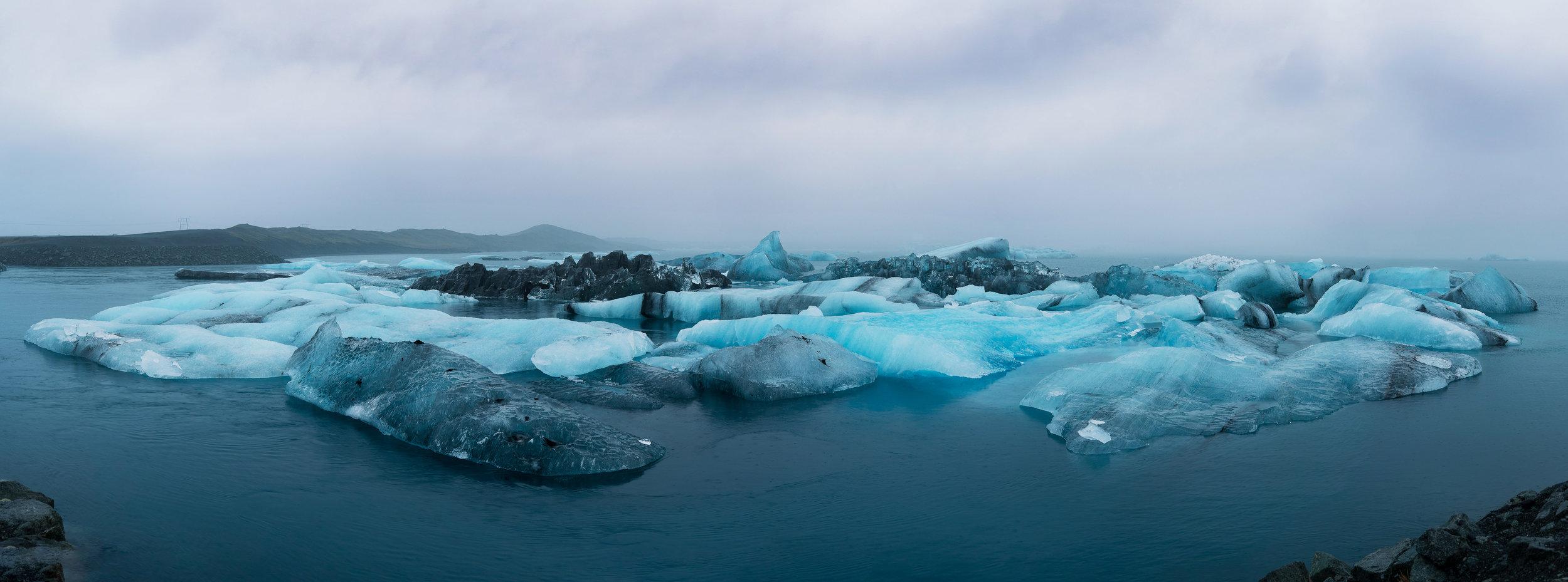 An iceberg cluster at Jökulsárlón
