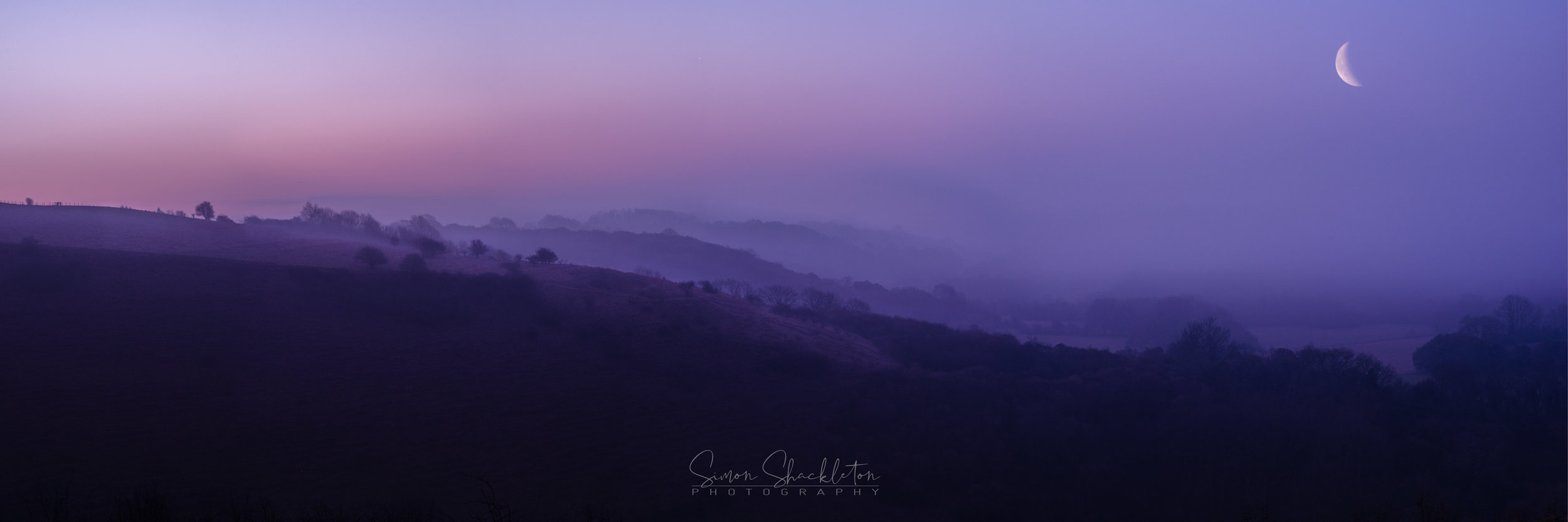 A pre-dawn panorama from the top of the North Downs.