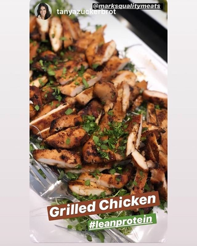 Don't be sad the weekend is over...we can deliver all of our high quality foods right to your 🚪 door!  How delicious does @tanyazuckerbrot grilled chicken look!  @f_factor.  Order today