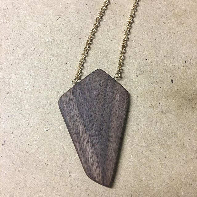 Been a slow season at the shop recovering from some surgery, but did manage to fit in this Christmas gift for Mary Ellen this year. A bit of a process shot, the second picture is a little scrap of book matched walnut that I shaped on the bandsaw, sanded, and affixed with gold eyes for the chain. Hope everyone had a great start to the new year! #motherswoodshop #woodworking #nashville #nashvillemakers #interiordesign #make #custom #design #furniture #walnut