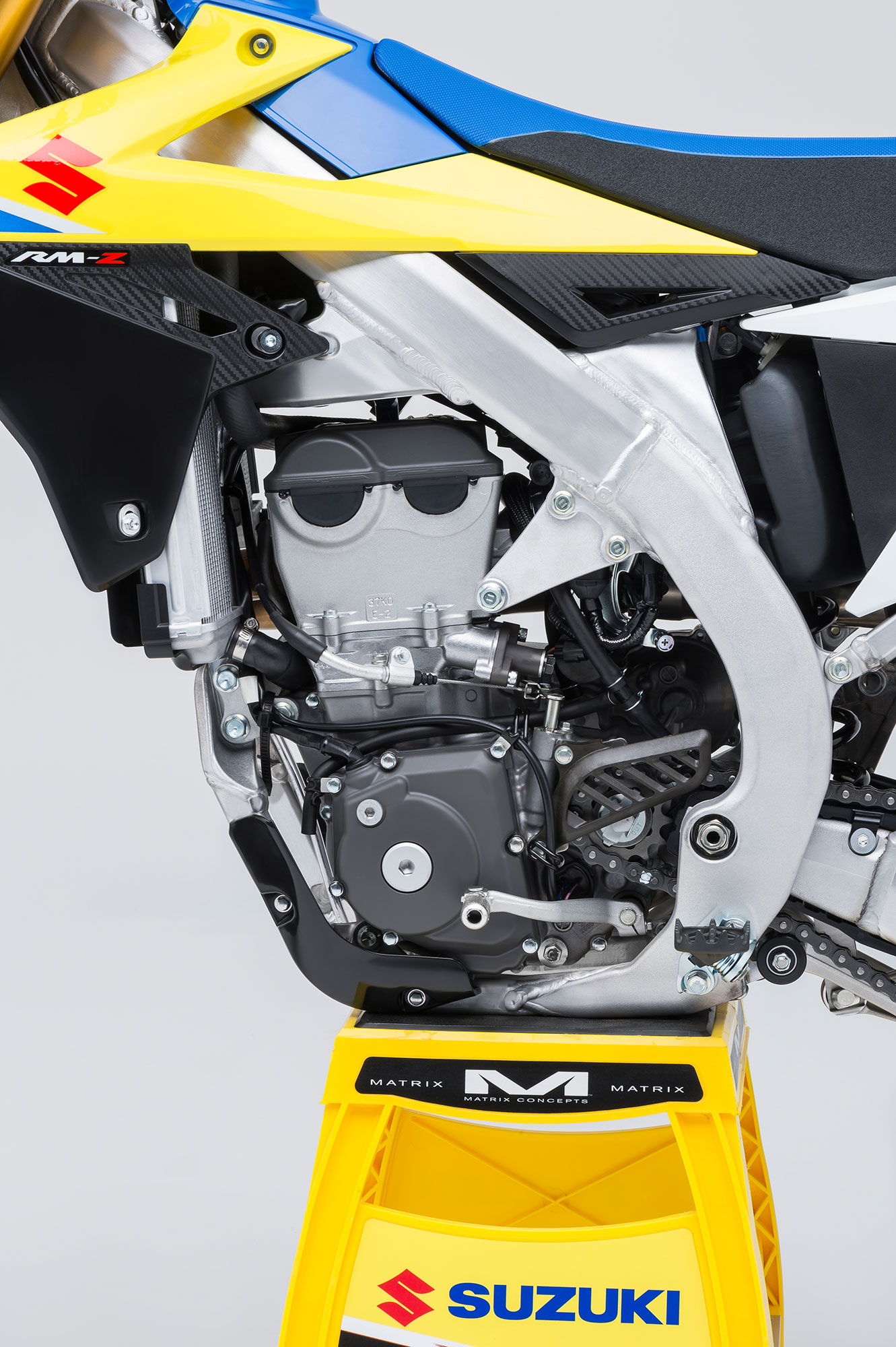 When you look closely you can tell this isn't an all-new engine, but many updates inside can be found on the 2018 Suzuki RM-Z450.
