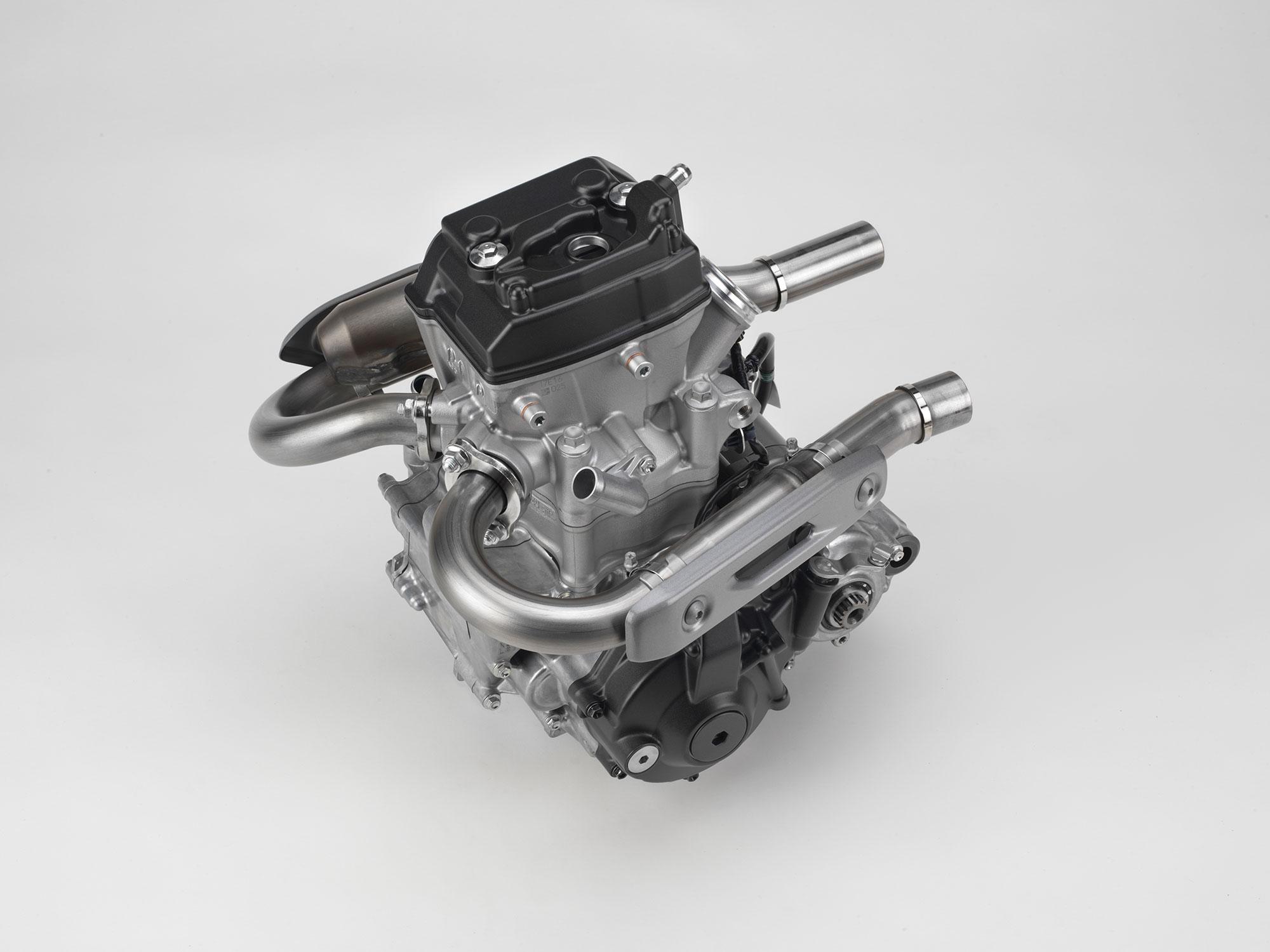 18_CRF250R_ENGINE_HEADERS_LT.jpg