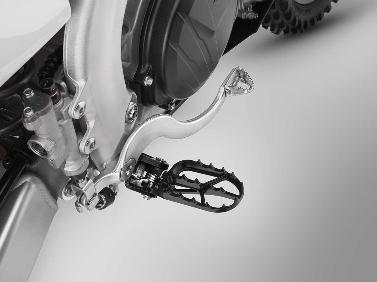 19-Honda-CRF450R_footpeg-Rjpg.jpg