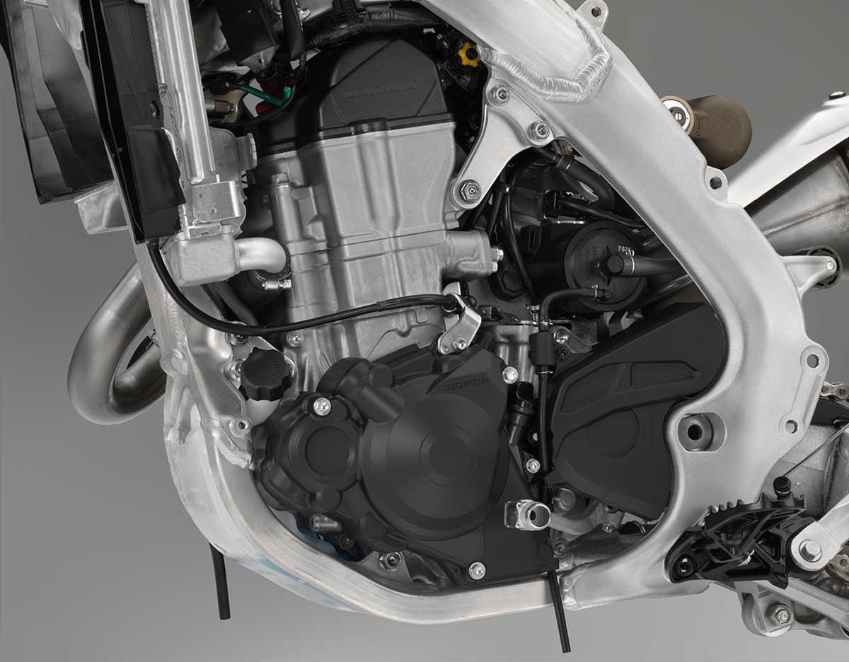 19-Honda-CRF450X_engine-left.jpg