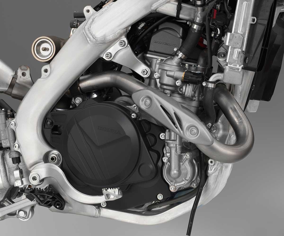 19-Honda-CRF450X_engine-right.jpg