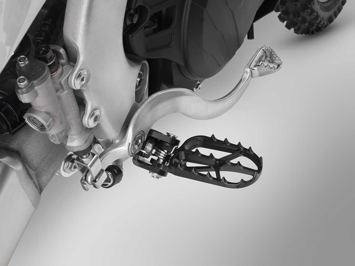 19-Honda-CRF450X_footpeg.jpg